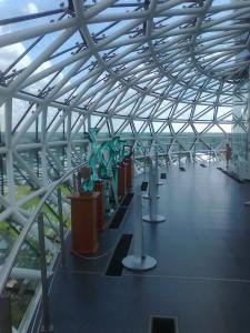 Dėmesio - įdomiausia muziejaus dalis, matomi net septyni kosminiai ežerai