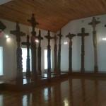 Šie kryžiai priklauso liaudies meno aukso fondui