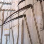 Muziejų metais derėtų pasitempti ir eksponatų tvirtinime, naudoti medinius arba plastmasinius kablius