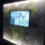 Interaktyvus ekranas žemėlapio fone